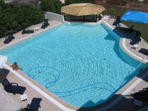 Piscinas modernas for Modelos de piscinas para casas modernas