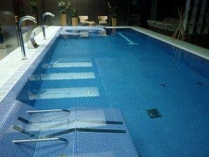 Accesorios modernos para tu piscina