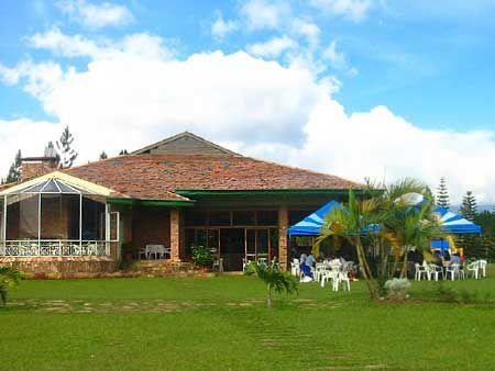 Como construir una casa de campo for Casa moderna de campo