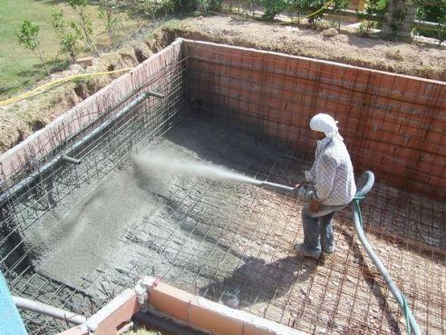 Como construir una piscina de hormig n for Como hacer una piscina economica