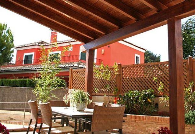 Consejos para decorar terrazas y jardines for Decoracion de patios jardines y terrazas