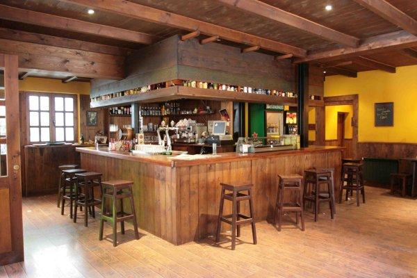 Instalaci n de bares y barras para el exterior - Barras de bar para salon ...