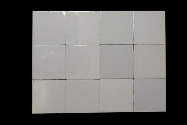 Recuperar el color blanco de los azulejos for Azulejo de piso de bano blanco y negro