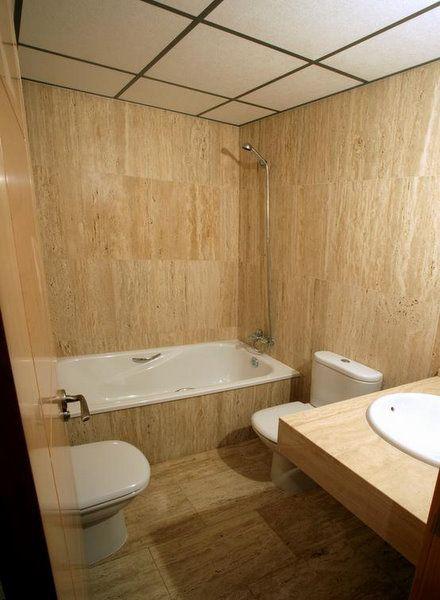 Revestimientos en marmol - Revestimiento banos modernos ...