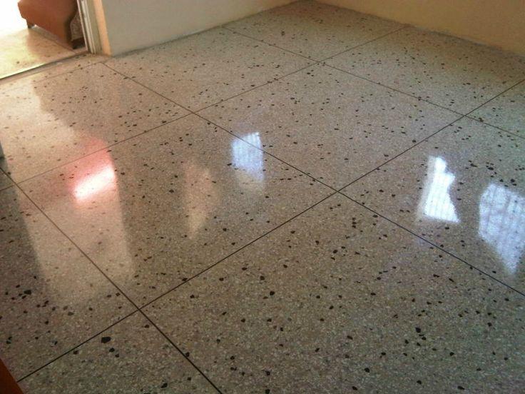 Instalar un piso de granito for Como fijar un inodoro al piso