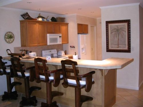 Barra de un bar en tu cocina for Barras de cocina modernas