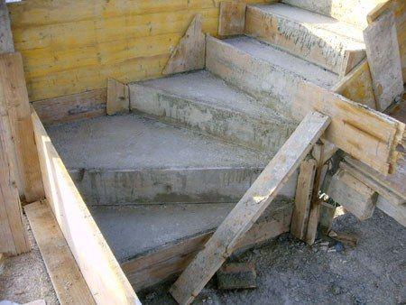 Construccion de escaleras de cubierta for Crear una cubierta de madera