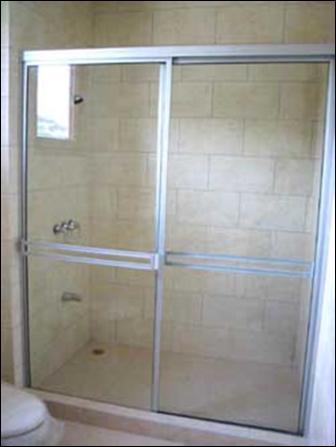 Puertas de ducha for Puertas para regadera