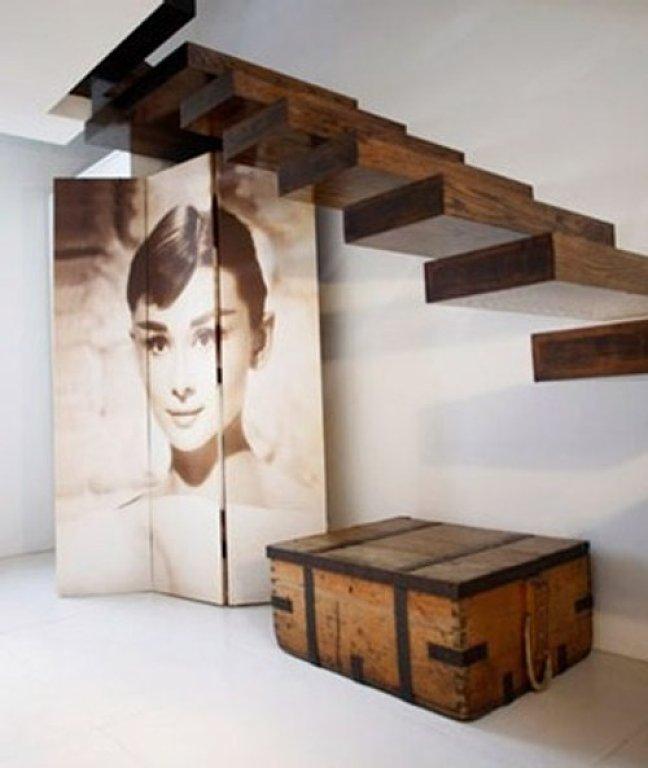 Instalacion de escaleras de madera for Decoracion debajo escaleras