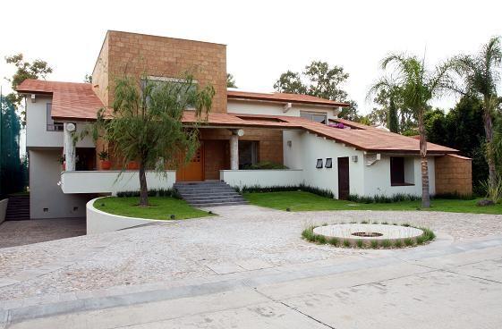 Arquitectura mexicana contemporanea for Fachadas de casas estilo contemporaneo
