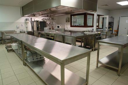 Cocinas industriales fotos presupuesto e imagenes for Todo para cocinas industriales