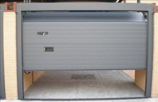 Puertas garaje automaticas fotos presupuesto e imagenes - Puertas para cocheras electricas ...
