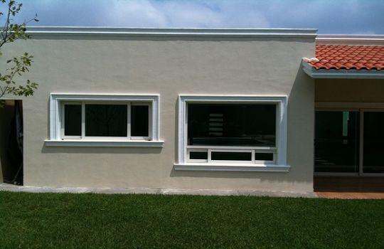 Ventana aluminio blanco fotos presupuesto e imagenes for Marcos de ventanas de aluminio