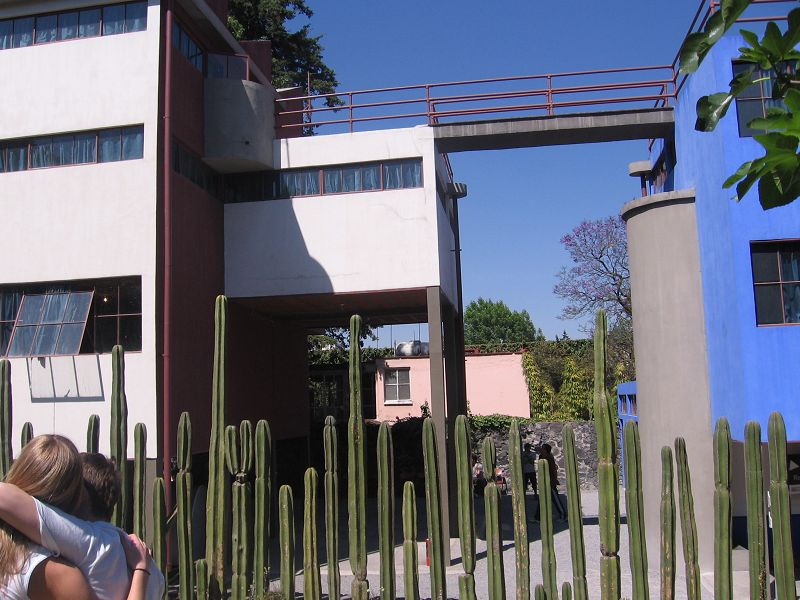 Fotos de fachadas de casas de dos plantas for Casa de dos plantas construyehogar