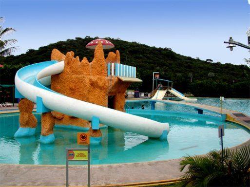 Tobogan para piscina for Cuanto cuesta una piscina de cemento