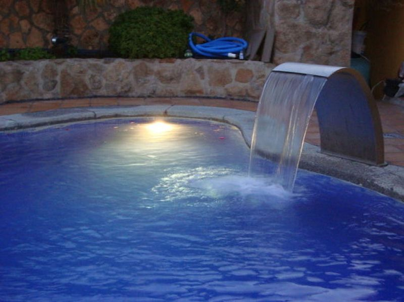 Como construir una piscina en mi casa for Medidas de una piscina para una casa