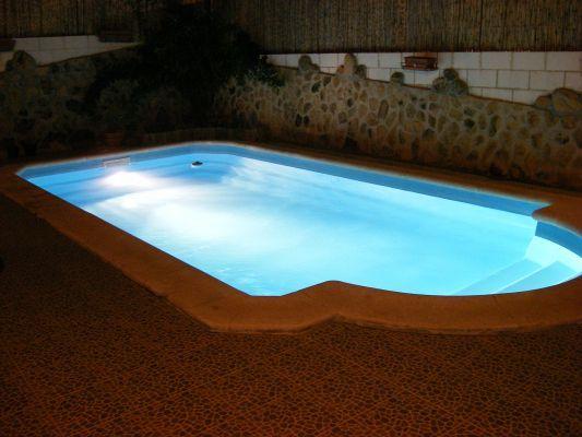 Cuanto cuesta una piscina de poliester for Cuanto cuesta hacer una alberca en casa