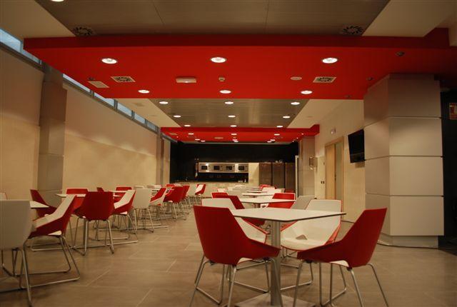 Decoracion interior de cafeterias y comedores for Decoracion cafeteria