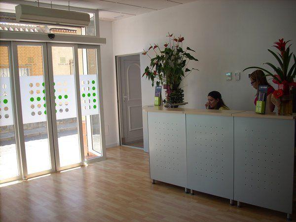 Decoracion interior de consultorios dentales - Decoracion clinica dental ...