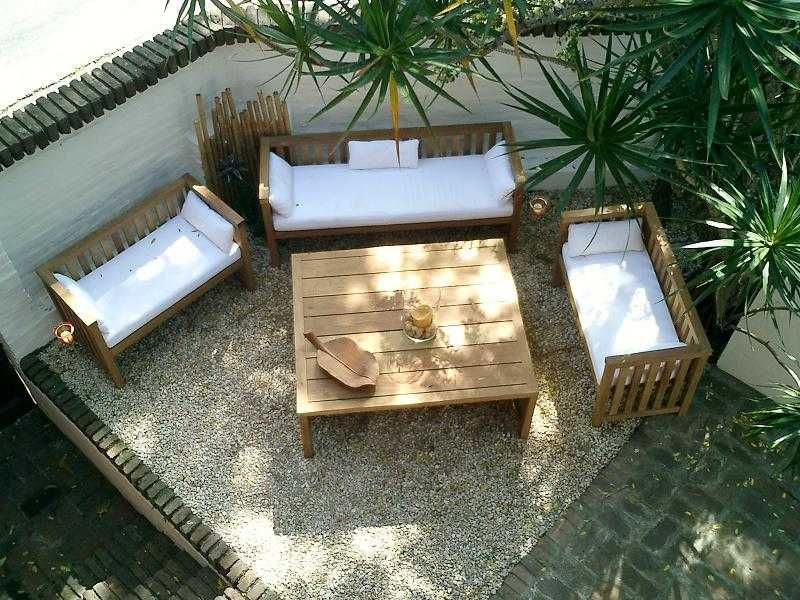 Decoracion interior de terrazas y jardines for Decoracion de patios rusticos