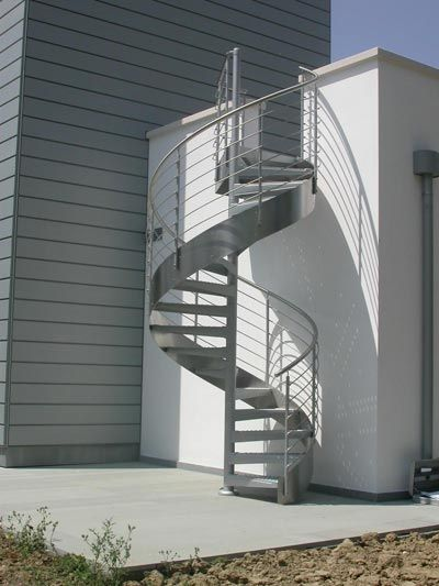 Escaleras de caracol para el exterior
