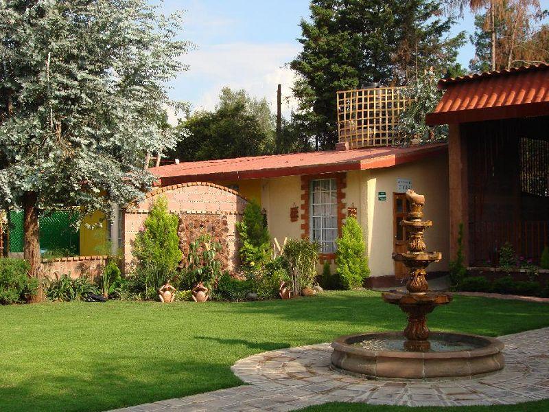 Fotos de jardines exteriores for Jardines exteriores pequenos para casas