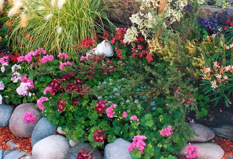 Fuentes decorativas para el interior de tu inmueble for Jardines para espacios pequenos fotos