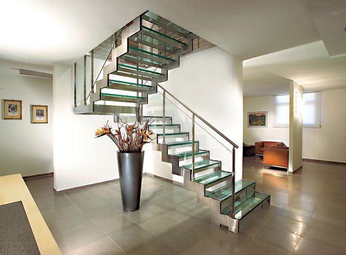 Pasamanos de lujo para escaleras for Casa moderno kl