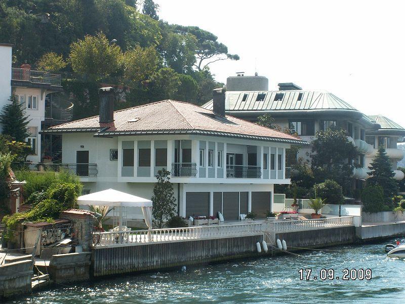 Las casas mas hermosas del mundo for Casas bonitas con alberca y jardin