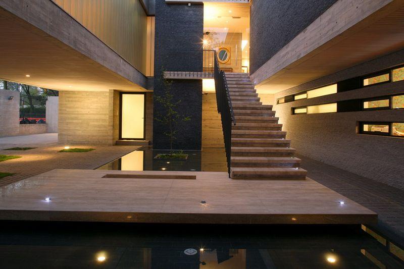 Escaleras de lujo con plataforma