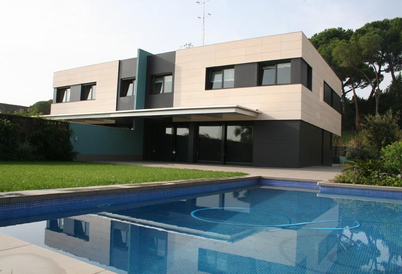 Arquitectura de casas con dise os unifamiliares for Disenos de casas campestres modernas