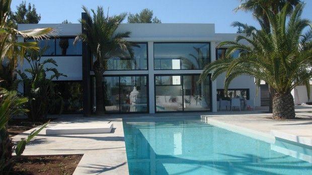 5 casas con piscinas de lujo for Case moderne con piscina