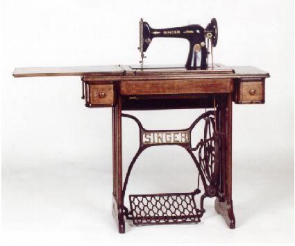 Una mesa de comedor realizada con una maquina de coser - Mesa maquina coser singer ...