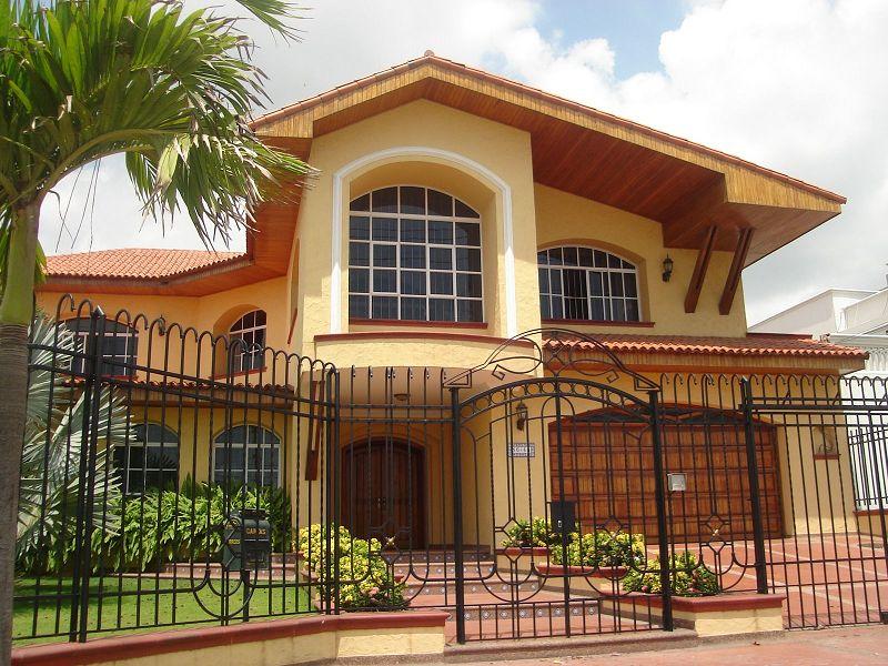 Como comprar una vivienda embargada Fachadas de casas rusticas con balcones