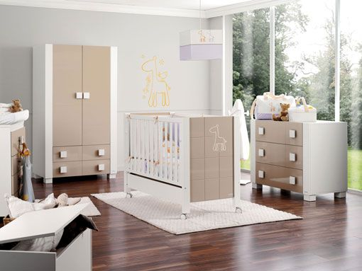 Los colores blanco y beige en la decoracion de dormitorios for Como decorar un dormitorio de bebe