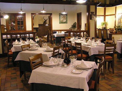 La decoraci n interior aplicada en los restaurantes for Como disenar un restaurante