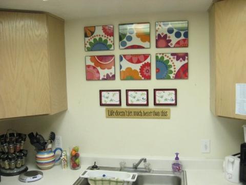 C mo elegir los cuadros para decorar la cocina for Cuadros modernos para decorar cocinas