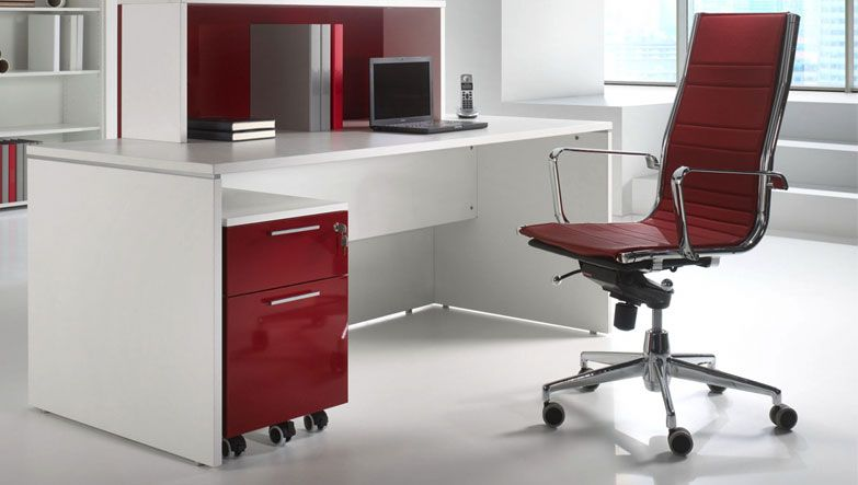 Como comprar el mobiliario adecuado para la oficina for Muebles modernos para oficinas pequenas