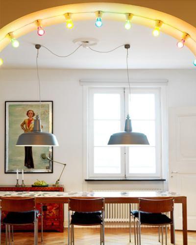 Luces de colores para decorar comedor