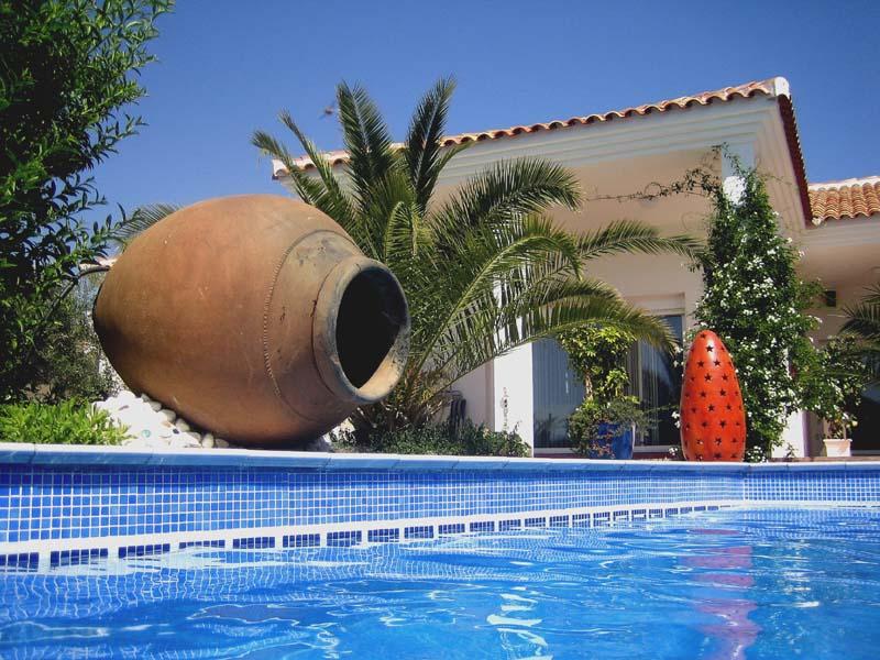 Casas rurales con piscinas m laga for Casas rurales malaga con piscina