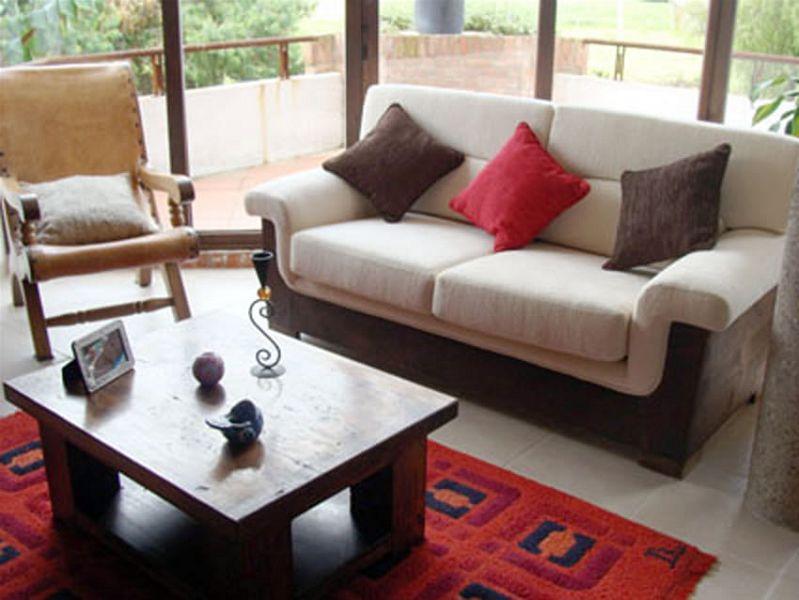 Ahorra en el hogar mobiliarios de medio uso for Muebles de sala economicos