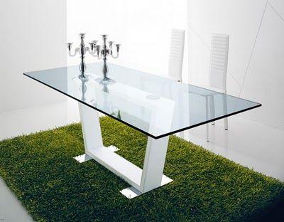 Mesas y mobiliarios de cristal for Mesas de vidrio modernas para comedor