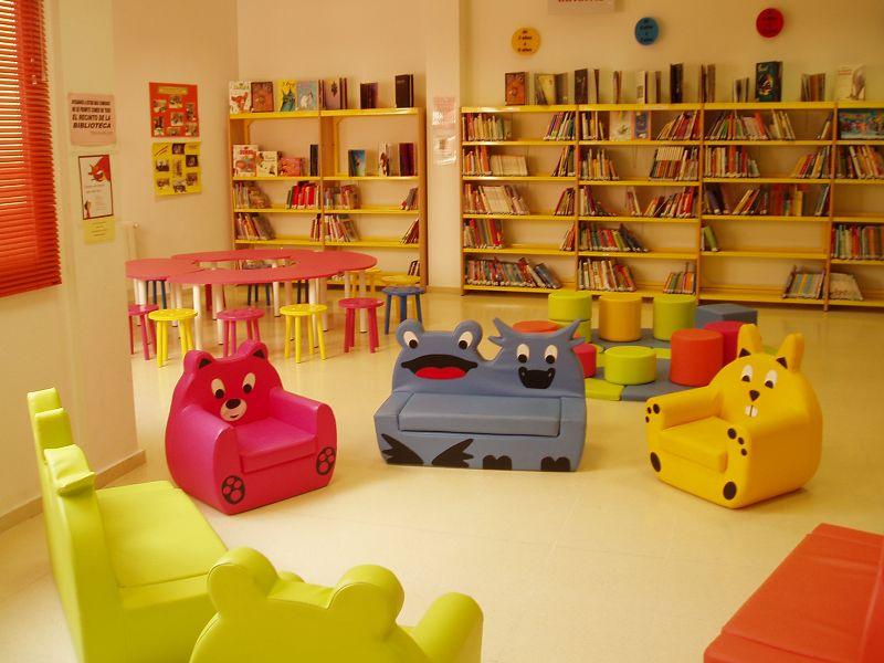 Decorando una biblioteca infantil for Muebles para preescolar
