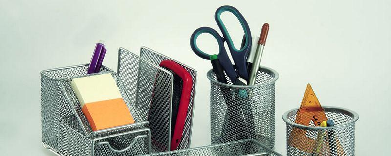 5 accesorios que no pueden faltar en una oficina for Elementos para decorar una oficina