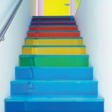 Decorar los escalones de la escalera - Como pintar una escalera interior ...