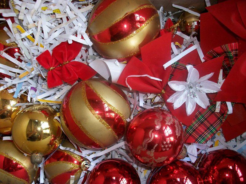 C mo decorar mi oficina para navidad for Adornos de oficina para navidad