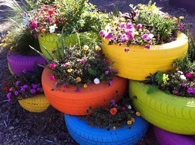 Decoraci n de jard n con neum ticos reciclados for Jardin con reciclados