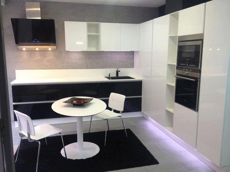 Microcemento en la cocina for Cocinas modernas en cemento