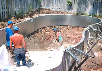 Razones por la que se aumenta el costo de construcción de una piscina