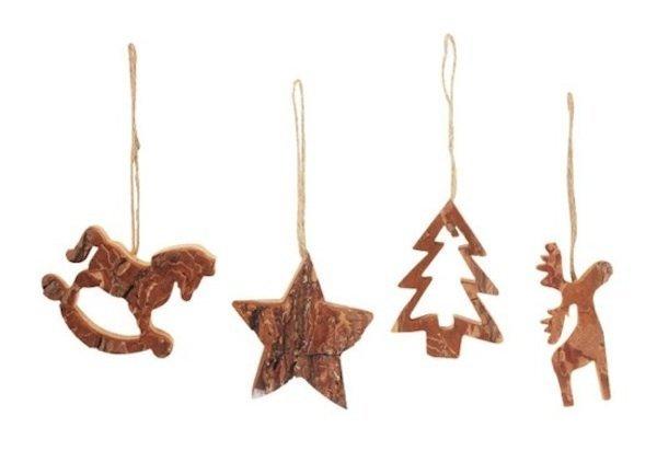 Decoraci n de navidad con adornos de madera for Cuales son los adornos navidenos